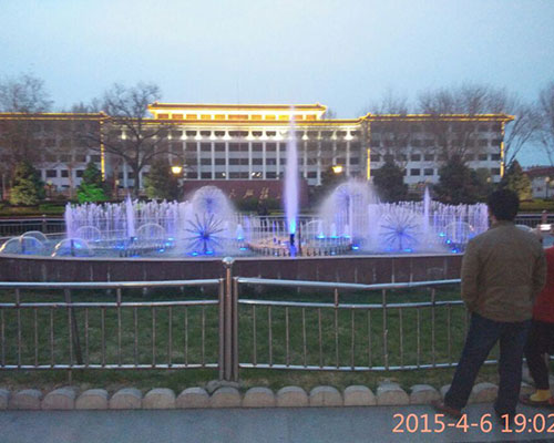 河北正定人民广场喷泉